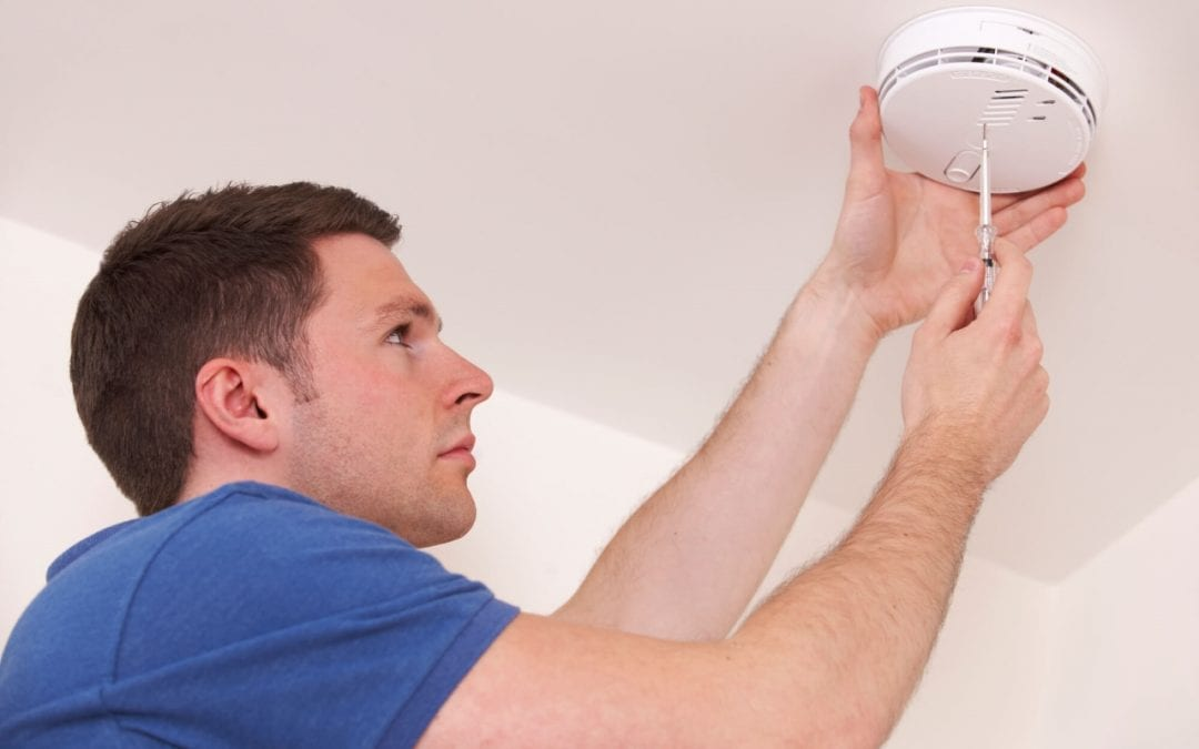 places to install smoke detectors